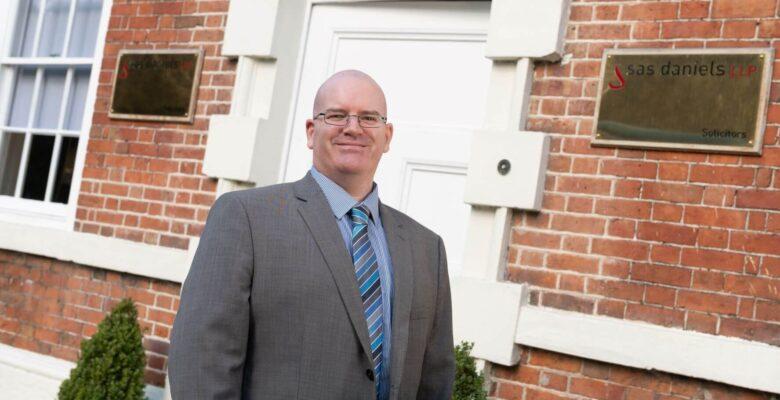 Stewart Burrows joins SAS Daniels dispute resolution team