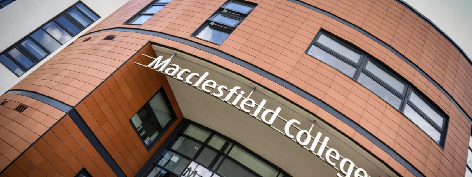 Macclesfield College forms partnership with University of Derby - marketingwam.co.uk